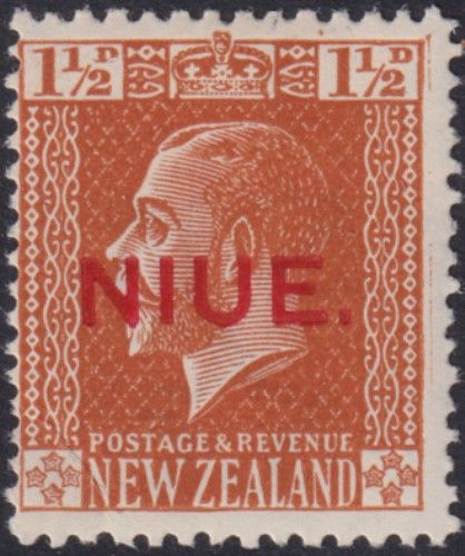 Niue SG26 1½d. King George V orange-brown typo printed (UEE0/31)