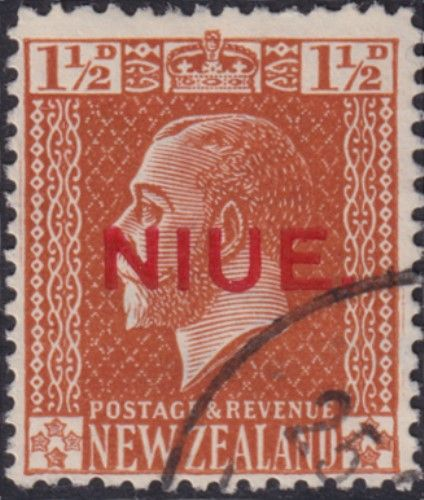 Niue SG26 1½d. King George V orange-brown typo printed (UEE0/32)